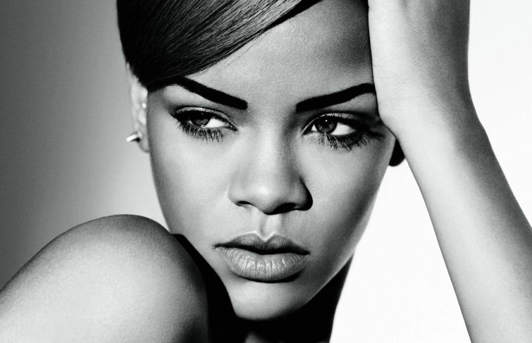 MY IDEAL FEMALE ARTISTE IS RIHANNA